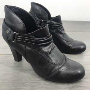 G by Guess black heeled ankle booties size 8